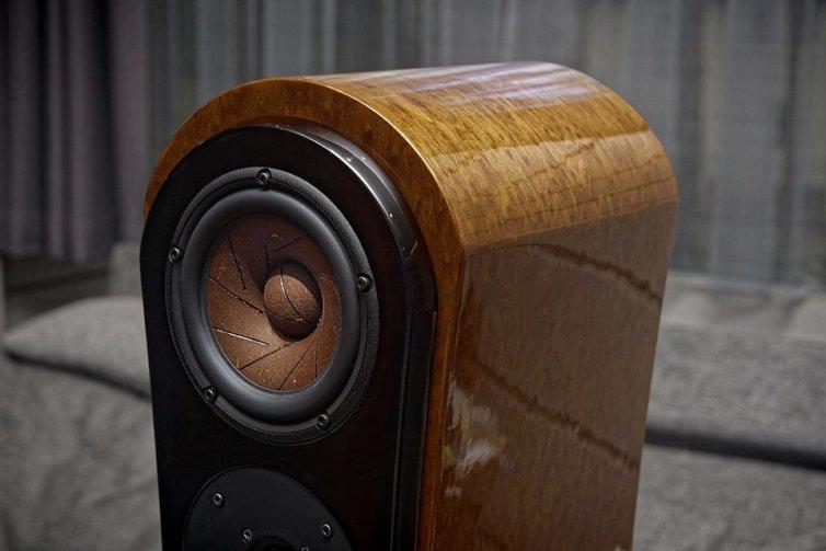 Reezoldini Master R7F speaker systems